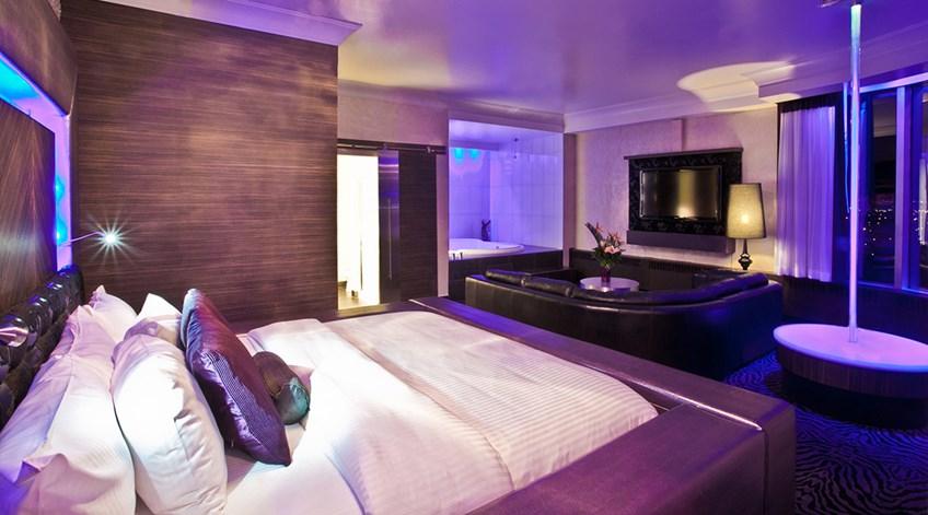 Room Theme hollywood luxury theme room